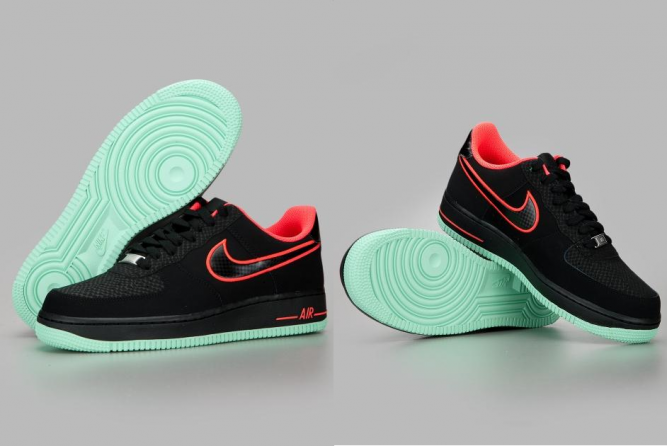 Air Force 1 Black Black Laser Crimson